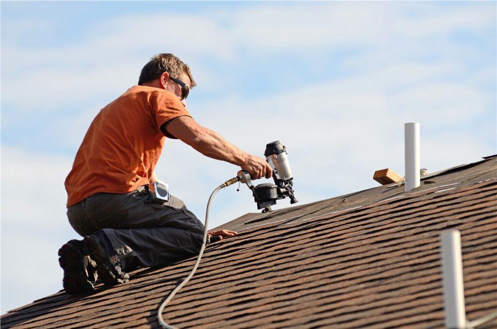 Roof leak repair NYC Image